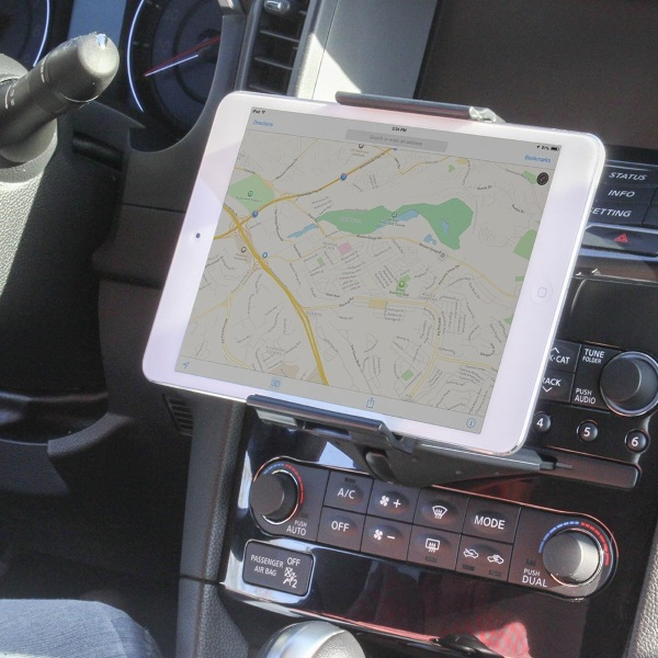 Satechi Universal Tablet CD Slot Mount – for when your car GPS needs some big screen help
