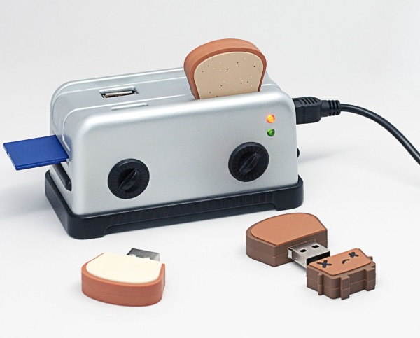 Smoko Toaster USB Hub – the perfect hub in the style of the perfect food