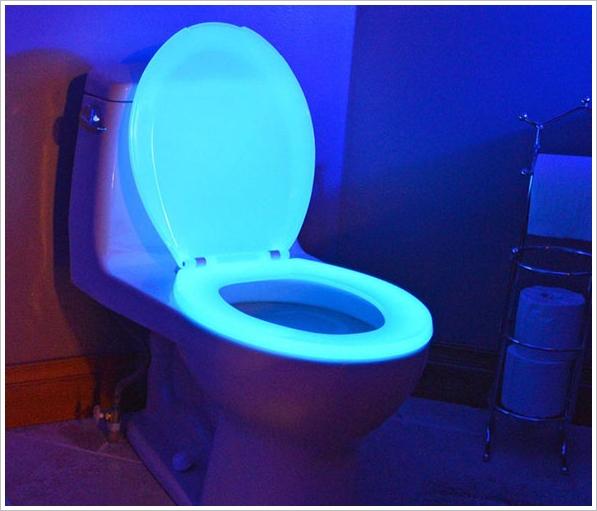 Night Glow Toilet Seat – shine on, you crazy diamond…!