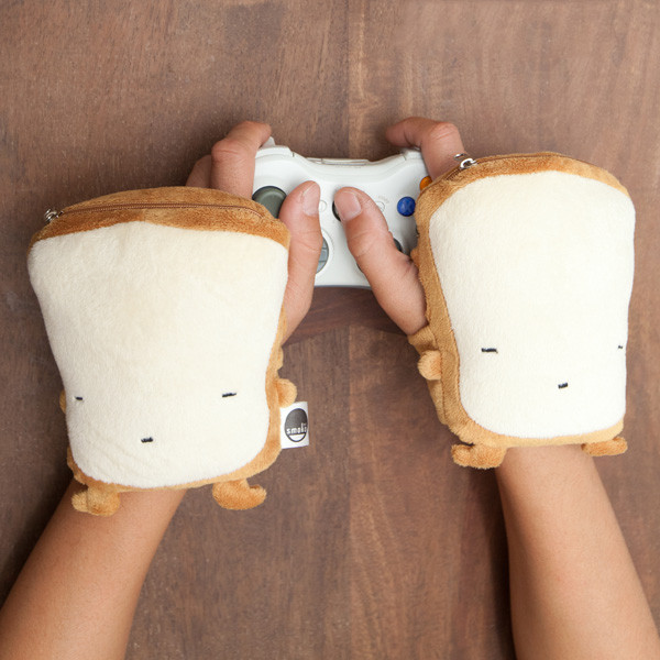Toast USB Wireless Handwarmers in use