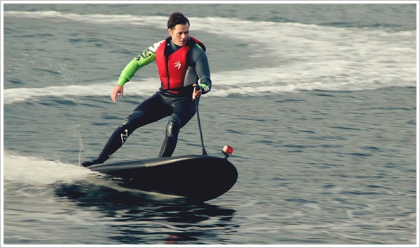 Lampuga Electric Jet Surfboard – who needs waves when you've got enough current?