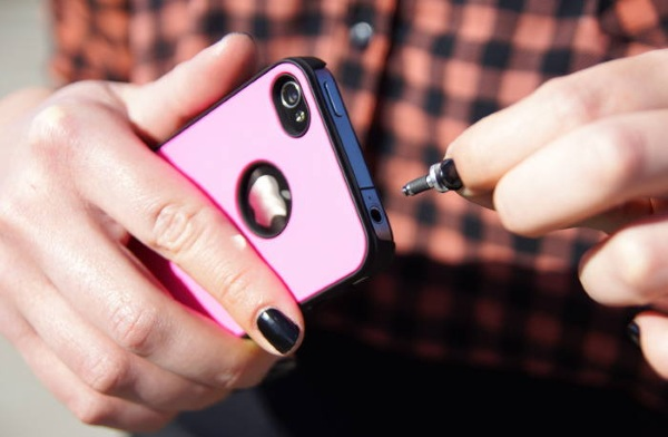 Pluggy Lock – keep your phone attached to you, literally