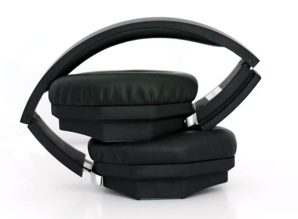 One 3D Audio Headphones folded