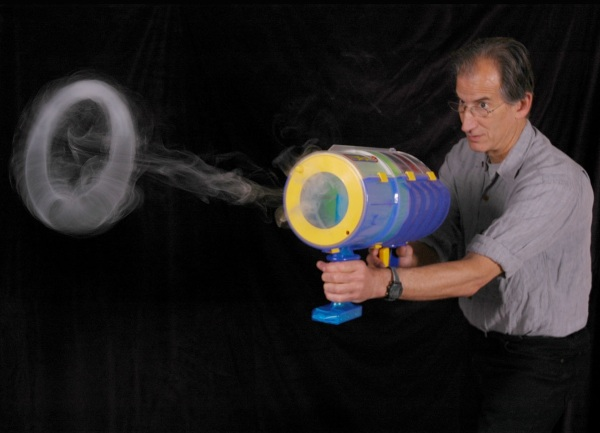 Zero Mighty Blaster – blow smoke rings without the actual smoke
