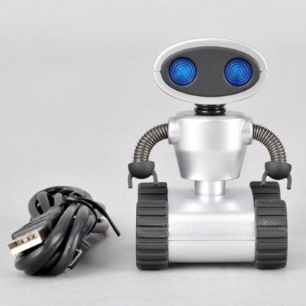 Robot USB Hub – he just wants to give you more USB ports, not enslave you