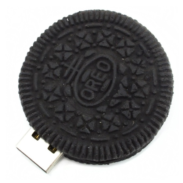Round Cookie USB Flash Drive – doesn't go great with milk