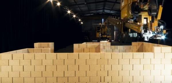 "Fastbrick Robotics – the bricklaying, full size ""3D Printer"""