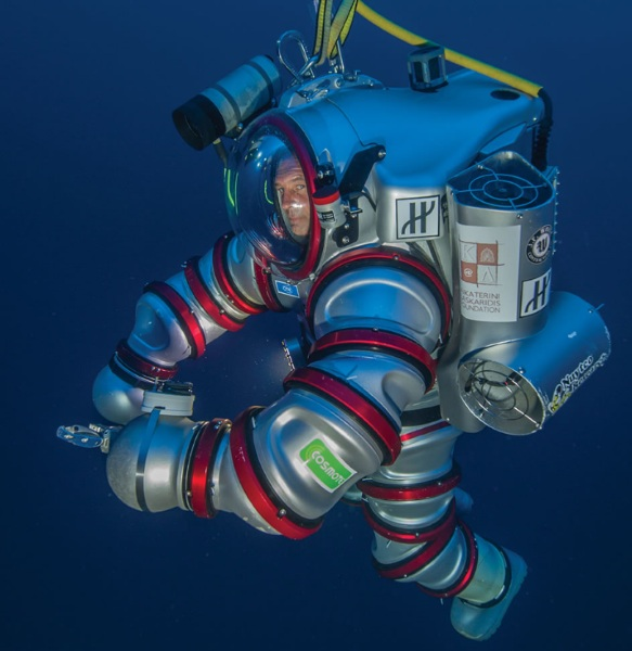 Self Propelled Aquanaut's Suit – forget scuba gear, become a real deep sea explorer