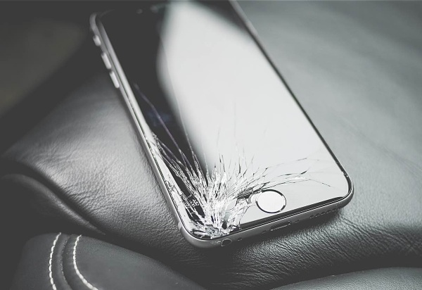 No More Cracked Screens – new research finds better, stronger mobile screen material