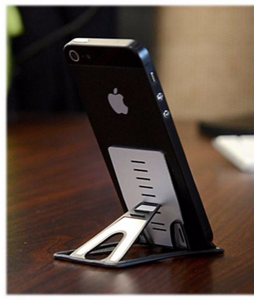 Quickstand – this stand fits in your wallet