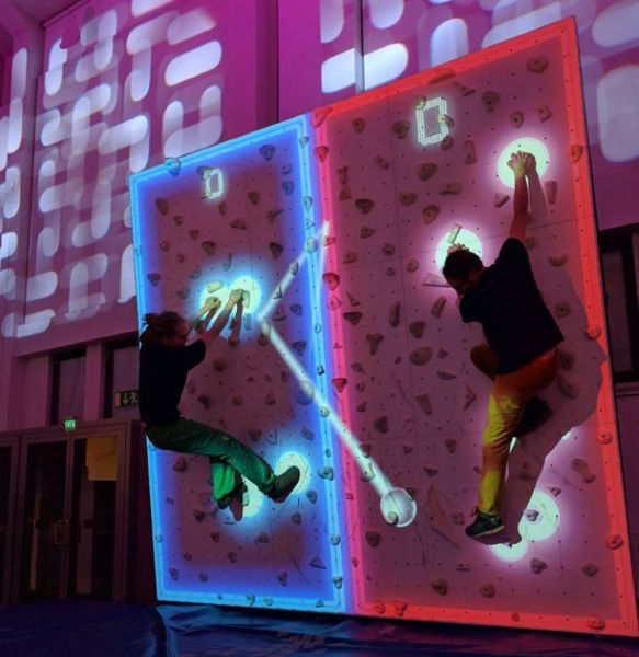 Augmented Climbing Wall – play pong and improve your arm strength