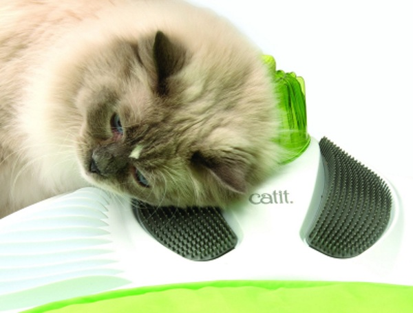 Catit Senses Wellness Center – keep your cat groomed with this spa