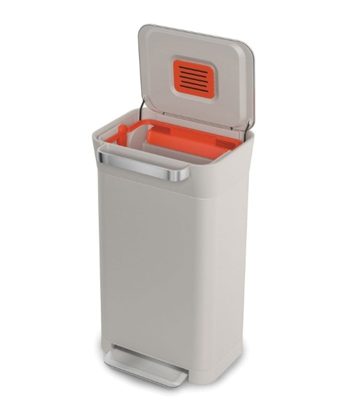 Titan Trash Compactor – get more out of your trash bags