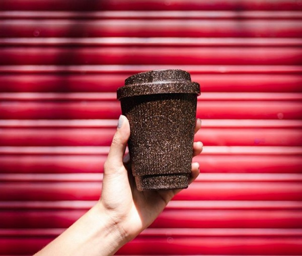 KaffeeForm – the coffee cups made from coffee grounds
