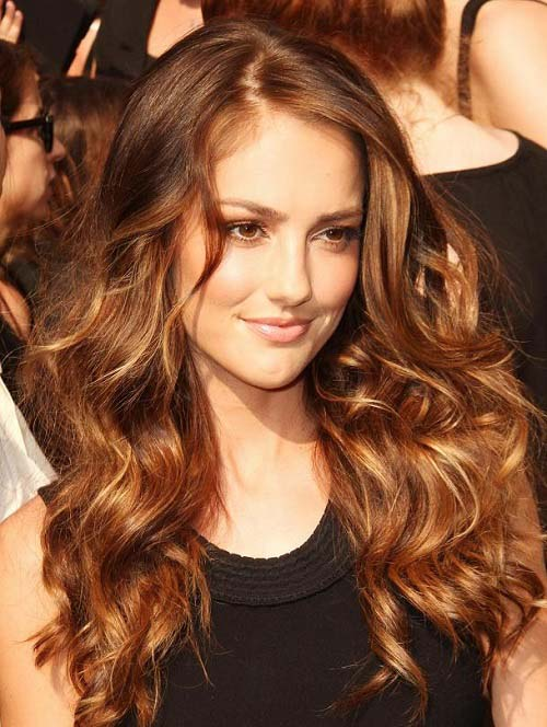 Golden brown highlights for dark brown hair