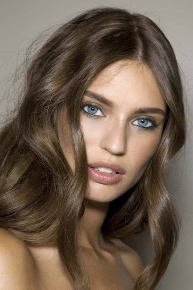 Mix of Light & ash brown hair colors