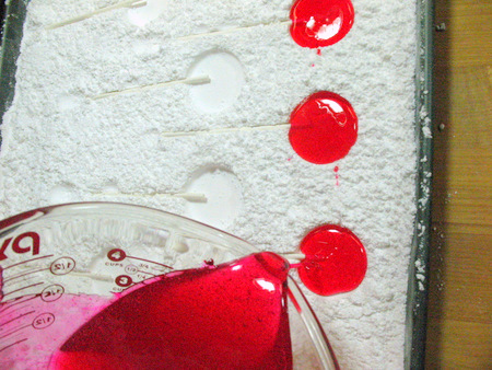 Friday Internet Crushes: Confectioners' Sugar Lollipop Molds | Red-Handled Scissors