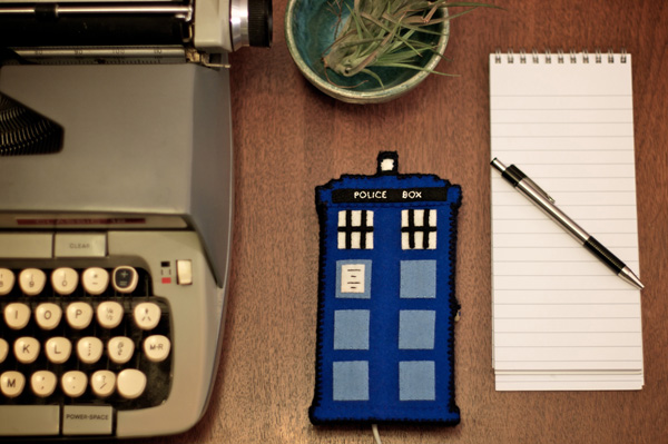 Tutorial: Doctor Who TARDIS Phone Charging Station for Craftzine.com | Red-Handled Scissors