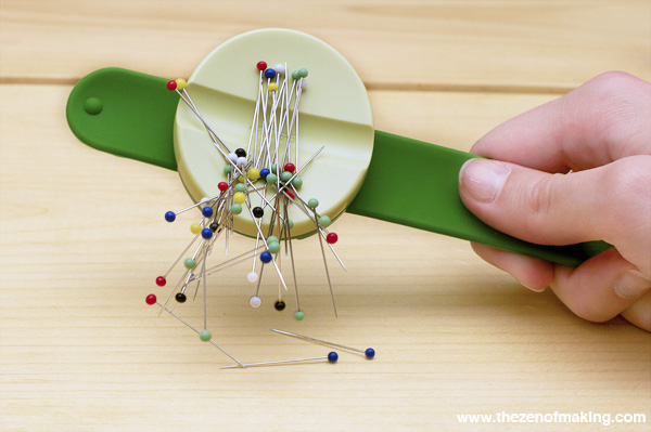 Review: Clover USA Pin 'n Stow Sewing Pin Holder | Red-Handled Scissors