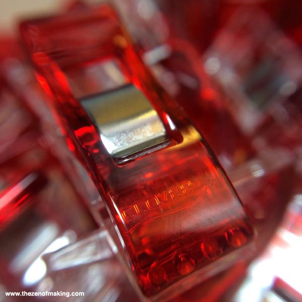 Review: Easy-Macro iPhone Macro Lens | Red-Handled Scissors