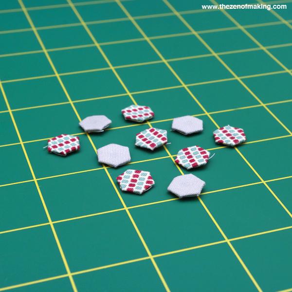 Tutorial: Mini Hexie Necklace   Red-Handled Scissors