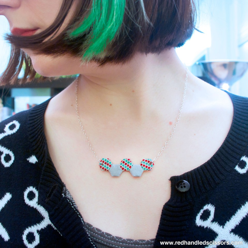 Tutorial: Mini Hexie Necklace