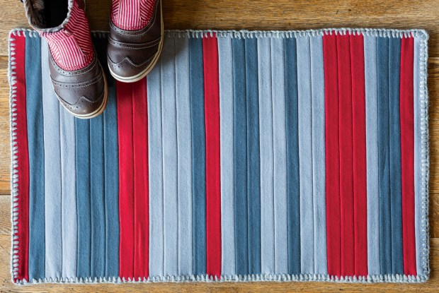 Book Project + Giveaway: Wool Binding Kitchen Rug for Hand-Stitched Home | Red-Handled Scissors