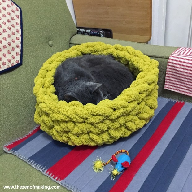 Project Update: Super Bulky Crocheted Cat Bed with Bernat Blanket Big Yarn | Red-Handled Scissors