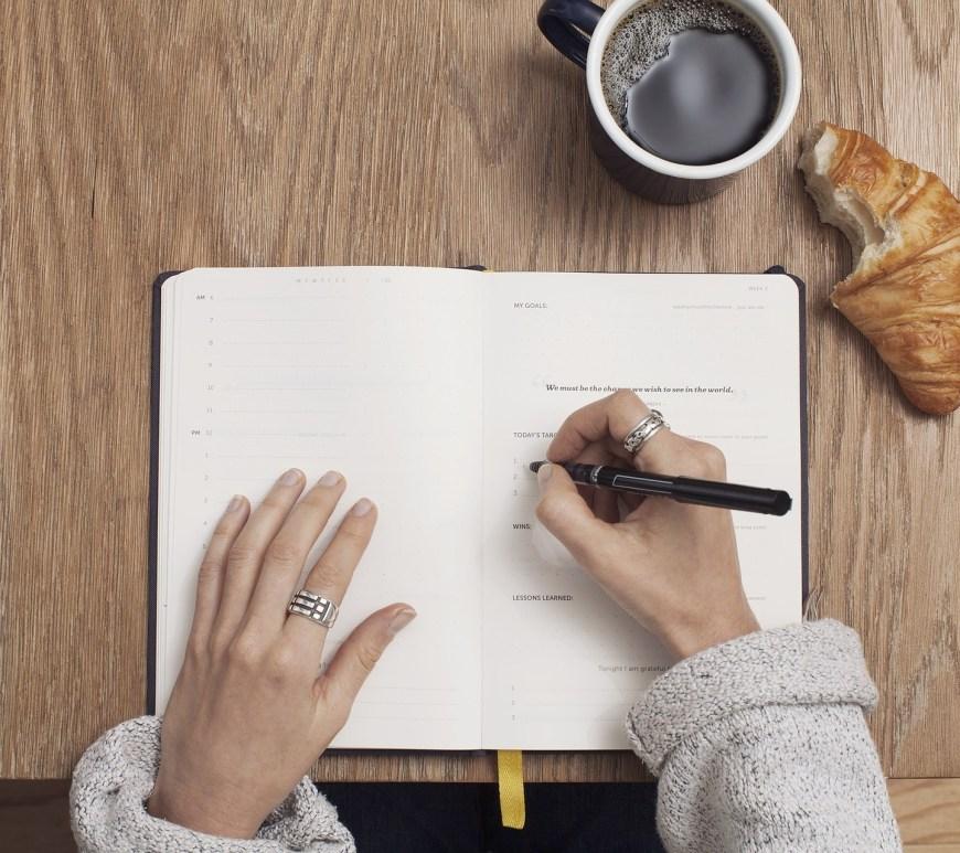 Alasan Mengapa Kita Harus Menulis