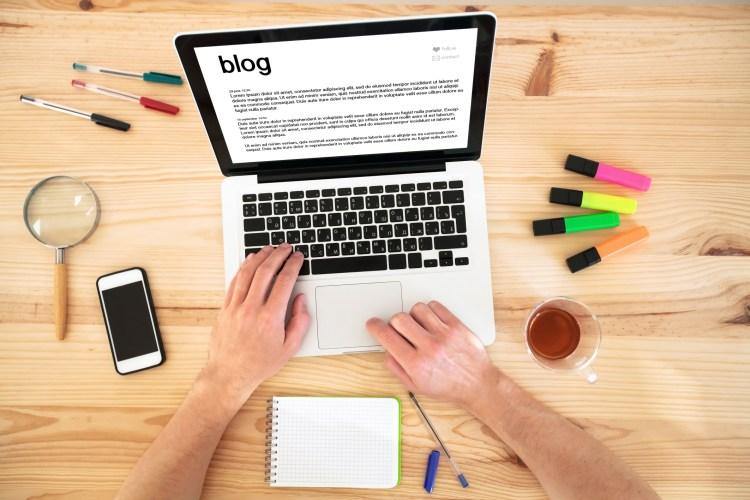 Menghibur Diri Dengan Menulis, 1 Day 1 New Blog Post