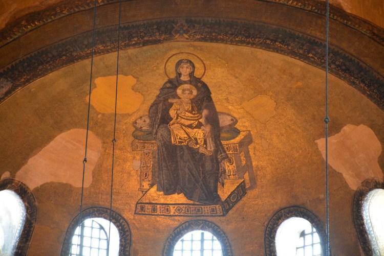 ilustrasi bunda maria dan yesus di kubah hagia sophia