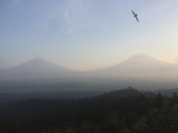 Pemandangan Gunung Sindoro dan Sumbing dari Gunung Beser, Jombor, Jumo, Temanggung