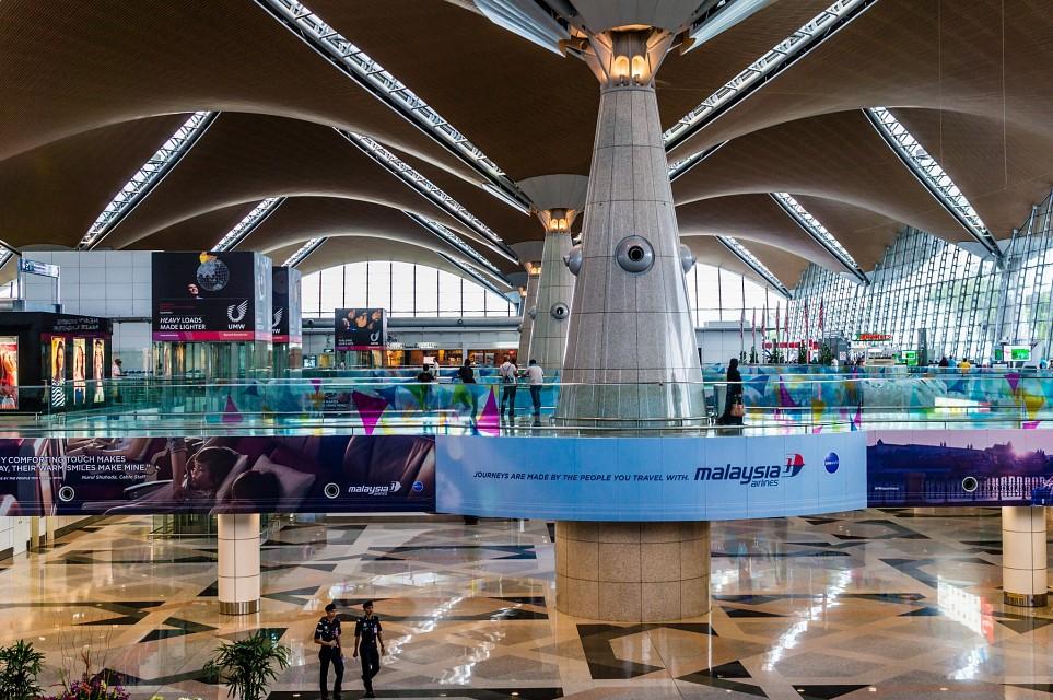 Transit di Bandara Kuala Lumpur Malaysia