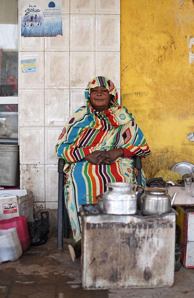 Penjual teh dan kopi di Souq Arabi