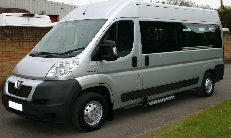 Minibus Lite Peugeot Boxer 11 Seat Minibus Px taken in by Red kite minibuses 01202827678 August 2017