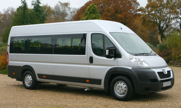L4 Wheel chair minibus with lift