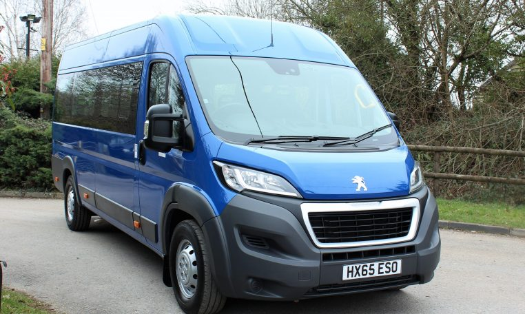 Minibus that can be driven on a normal licence