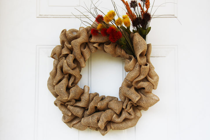 How to Make the Ultimate Fall Burlap Door Wreath | redleafstyle.com & How to Make the Ultimate Fall Burlap Door Wreath pezcame.com