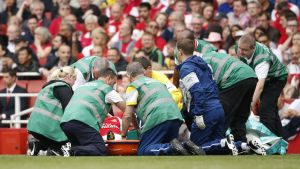 Key Arsenal star expected to miss United game and possibly several months