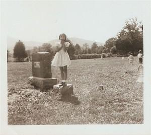 Zola on tombstone