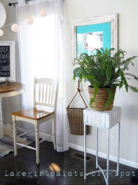 Room View Plantstand