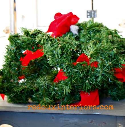 dumpster found christmas garland redouxinteriors