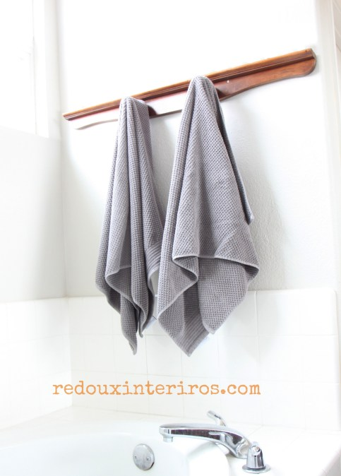 upcycled towel rack made from dresser parts redouxinteriors