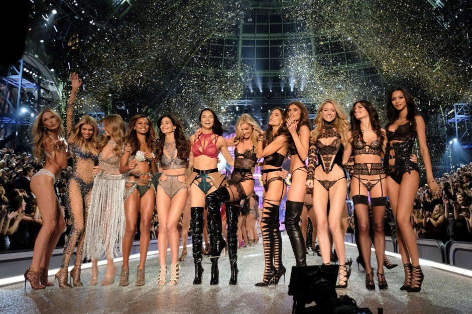 PARIS, FRANCE - NOVEMBER 30: (L-R) Romee Strijd, Stella Maxwell, Josephine Skriver,Jasmine Tookes, Lily Aldridge,Adriana Lima, Elsa Hosk,Alessandra Ambrosio,Taylor Hill,Martha Hunt,Sara Sampaio and Lais Ribeiro walk the runway during the 2016 Victoria's Secret Fashion Show on November 30, 2016 in Paris, France. (Photo by Dimitrios Kambouris/Getty Images for Victoria's Secret)