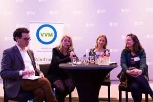In de laatste ronde gingen de (nog) aanwezige partijen aan tafel om te bespreken hoe het nieuwe Energie- en Klimaatakkoord vormgegeven moet worden. De politici van links naar rechts: Frank Wassenberg (PvdD), Agnes Mulder (CDA), Stientje van Veldhoven (D66) en Suzanne Kröger (GroenLinks). Foto: Olivier Overberg