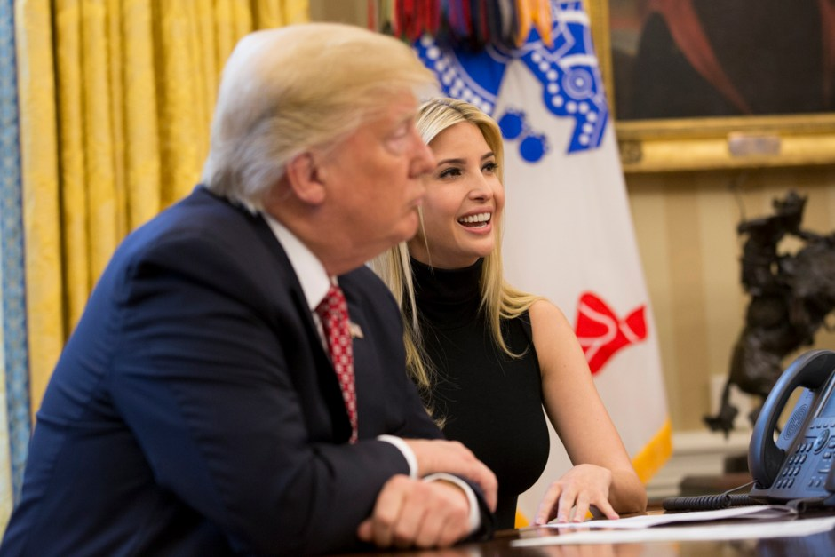Donald Trump and Ivanka Trump discussed a wide range of topics with Commander Whitson and her fellow astronaut, Colonel Jack Fischer (April 2017). Photo: The White House