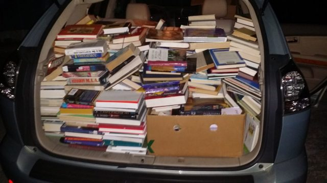 car-number-1-loaded-with-books