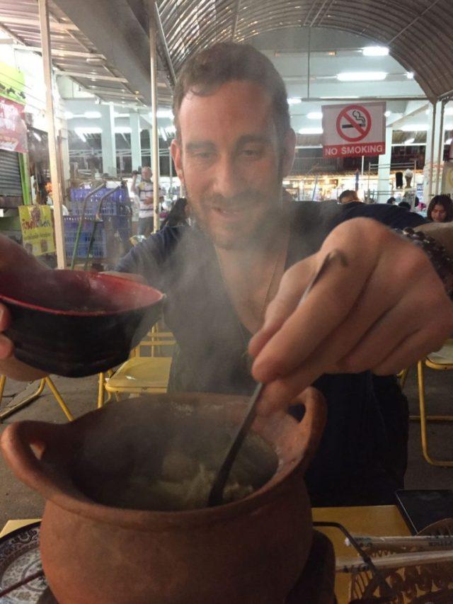 hot-pot-at-chiang-rai-night-market