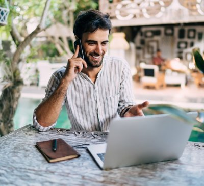 How Do Successful Digital Nomads Make Money? (Earn Income from the Road)
