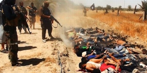 Islamic State jihadis murdering Iraqi captured soldiers